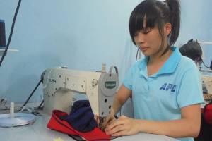 Chia sẻ cách chọn màu để may áo thun đồng phục