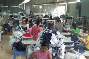 Xưởng may áo gió giá rẻ tại công ty may APD